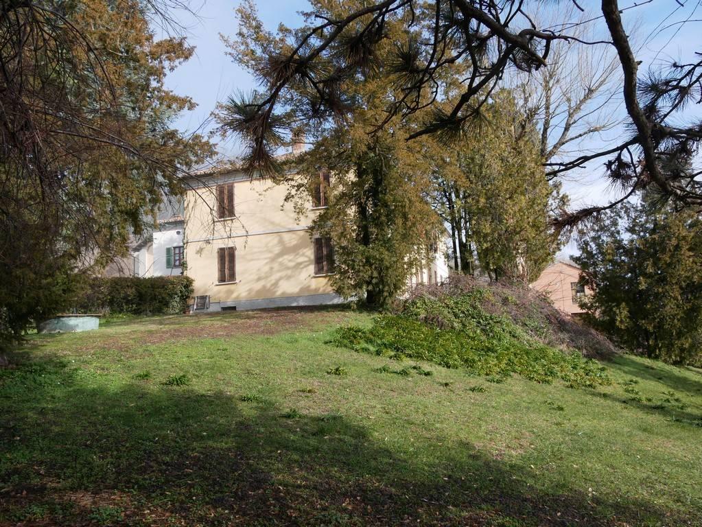 Villa 8 Locali Montecalvo Versiggia